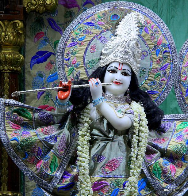 ISKCON Juhu Mangal Deity Darshan on 17th Apr 2019