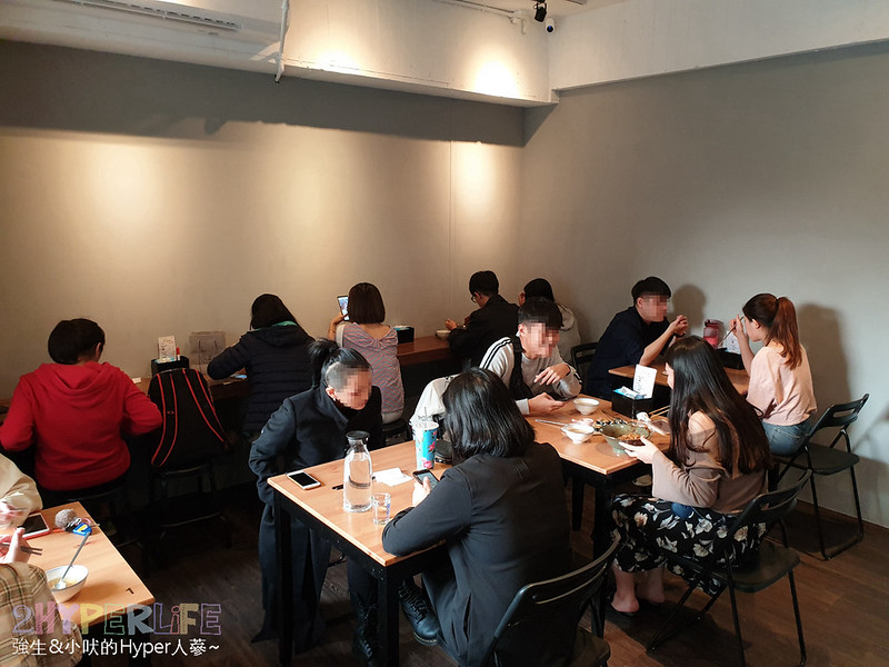 33750566818 a8b969576d c - 中友百貨旁平價韓式料理~KBAB 大叔的飯卷 | 小小店面總是塞滿人,想吃飯卷是不錯的選擇哦!