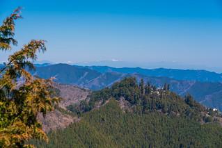 御岳山、棒ノ嶺、遥か日光連山と燧ケ岳@展望台