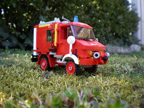 rsz_Lego City Fire Truck Unimog Mercedes 1963 MOC. | by jesper.rydhog