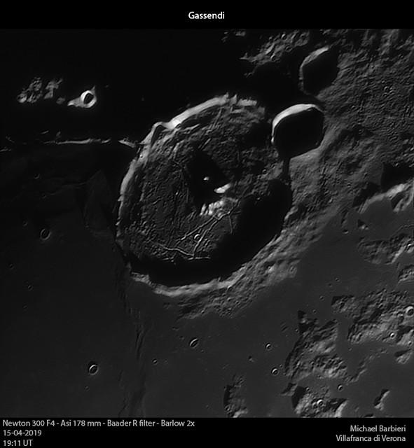 2019-04-15-2111_R-Moon_