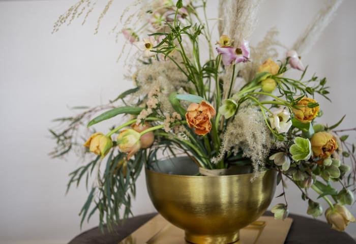 Järvenpään Kukkatalo kukkakouluilmava kukkakimppu kaunis kukka-asetelma