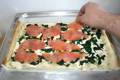 15 - Mit Räucherlachs belegen / Add smoked salmon