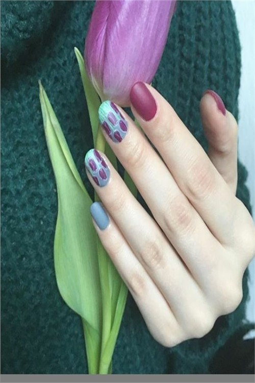 33 Beautiful Tulip Nail Art Designs Trends 2019 #nail_art_designs #trendy_nails #tulip_nails #spring_manicure