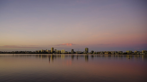 australia elizabethquay morning perth river sky southpacfic sun sunrise swanriver water westernaustralia pentax k1ii sigmalens longexposure skyline reflection southperth