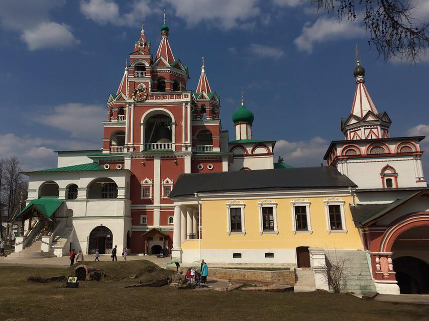 Прихожане храма свв. мчч. Анатолия и Протолеона в Марьине посетили Саввино-Сторожевский монастырь в Звенигороде