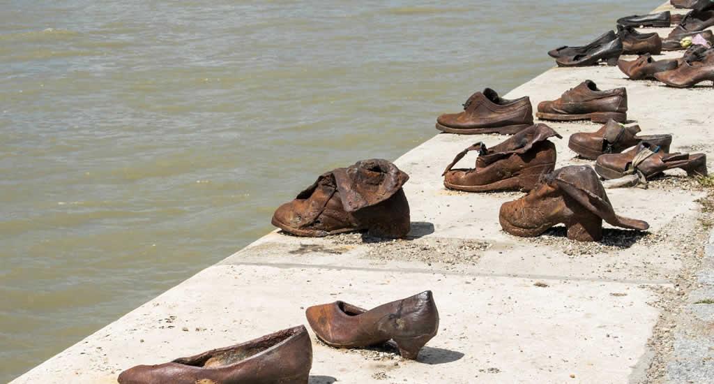 Schoenen aan de Donau | Mooistestedentrips.nl