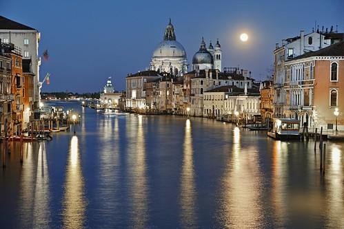 Full moon at Venice
