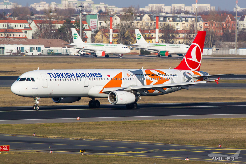 Turkish Airlines - A321 - TC-JRO (2)