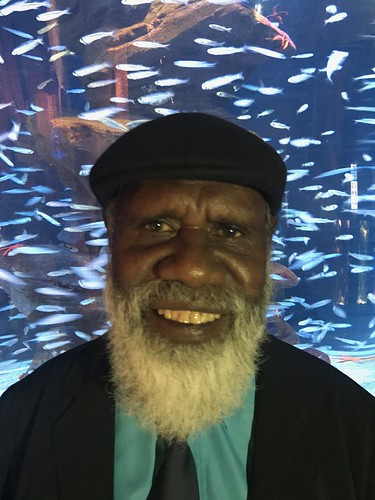 Feature Artist Syd Bruce Shortjoe of Pormpuraaw Arts and Cultural Centre INC. Photograph by Paul Jakubowski.