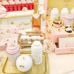 Soap and tea.. all pink 🌷⠀ . . Mother's Day Tea RSVP 👉 http://bit.ly/2ByMyvY . . .⠀  @marianacalonso⠀ ⠀ ~⠀ ⠀ #ninas #marieantoinette #tea #teatime #mothersday2019 #mothersdayideas #mothersdaycake #mothersdayevent #motherdays #mothersdayc