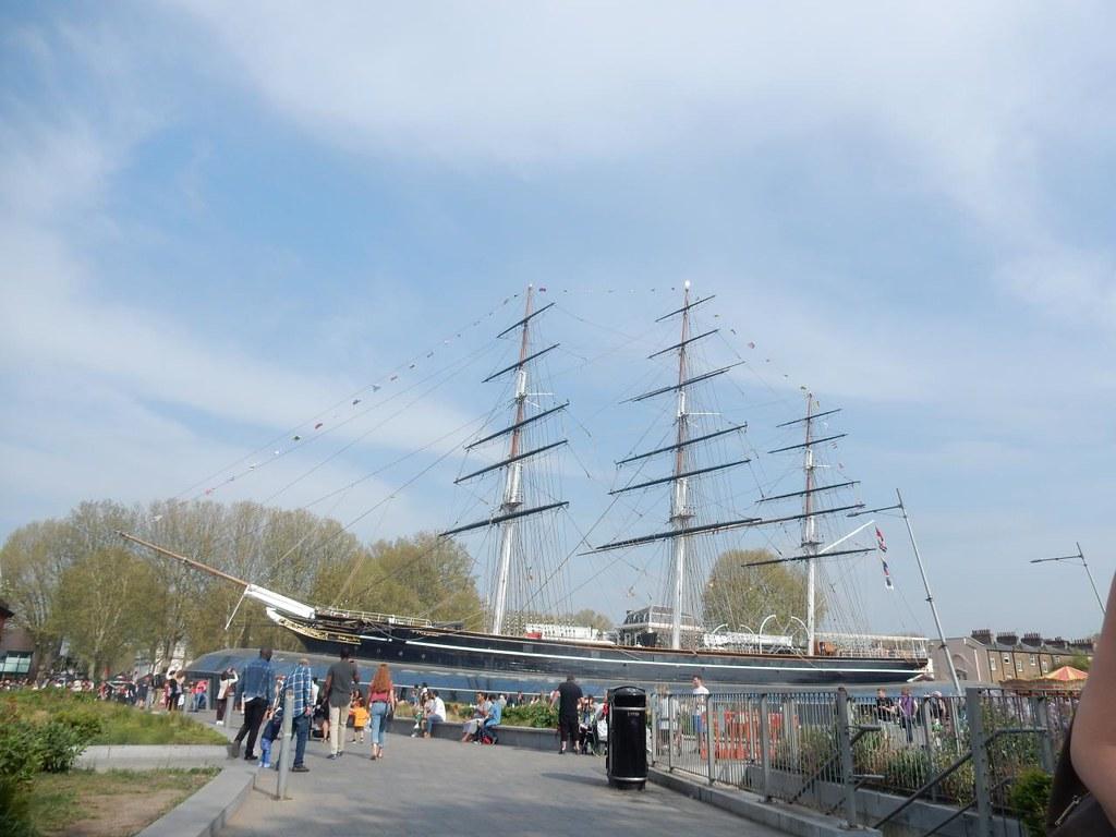 Big boat Thr Cutty Sark - journey's end. Waterlink Way