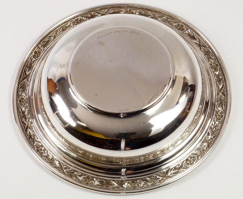 RD27846 Vintage Wallace Sterling Silver Bowl Dish Pattern # 3621 Weighs 80 Grams DSC00692