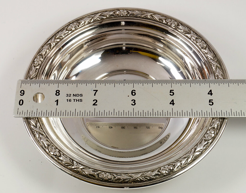RD27846 Vintage Wallace Sterling Silver Bowl Dish Pattern # 3621 Weighs 80 Grams DSC00690