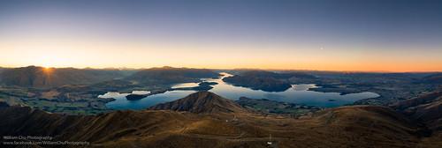 wanaka otagoregion newzealand lakewanaka royspeak southisland hiking twilight dusk sunset drone aerial aerialview dji mavic2 mavic2pro panorama