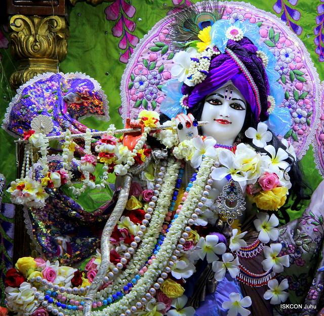 ISKCON Juhu Sringar Deity Darshan on 25th Apr 201