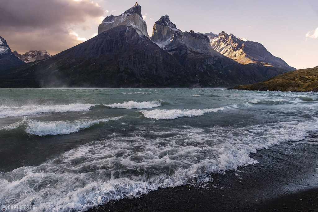 Windy beach - Torres del Paine
