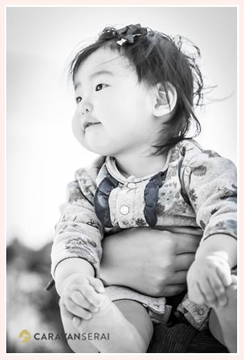 女の子赤ちゃん モノクロ写真