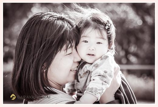 ママと女の子赤ちゃん セピア色写真
