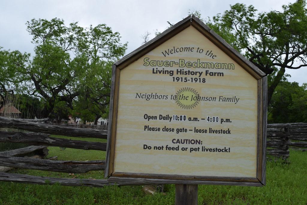 Sauer-Beckman Living History Farm