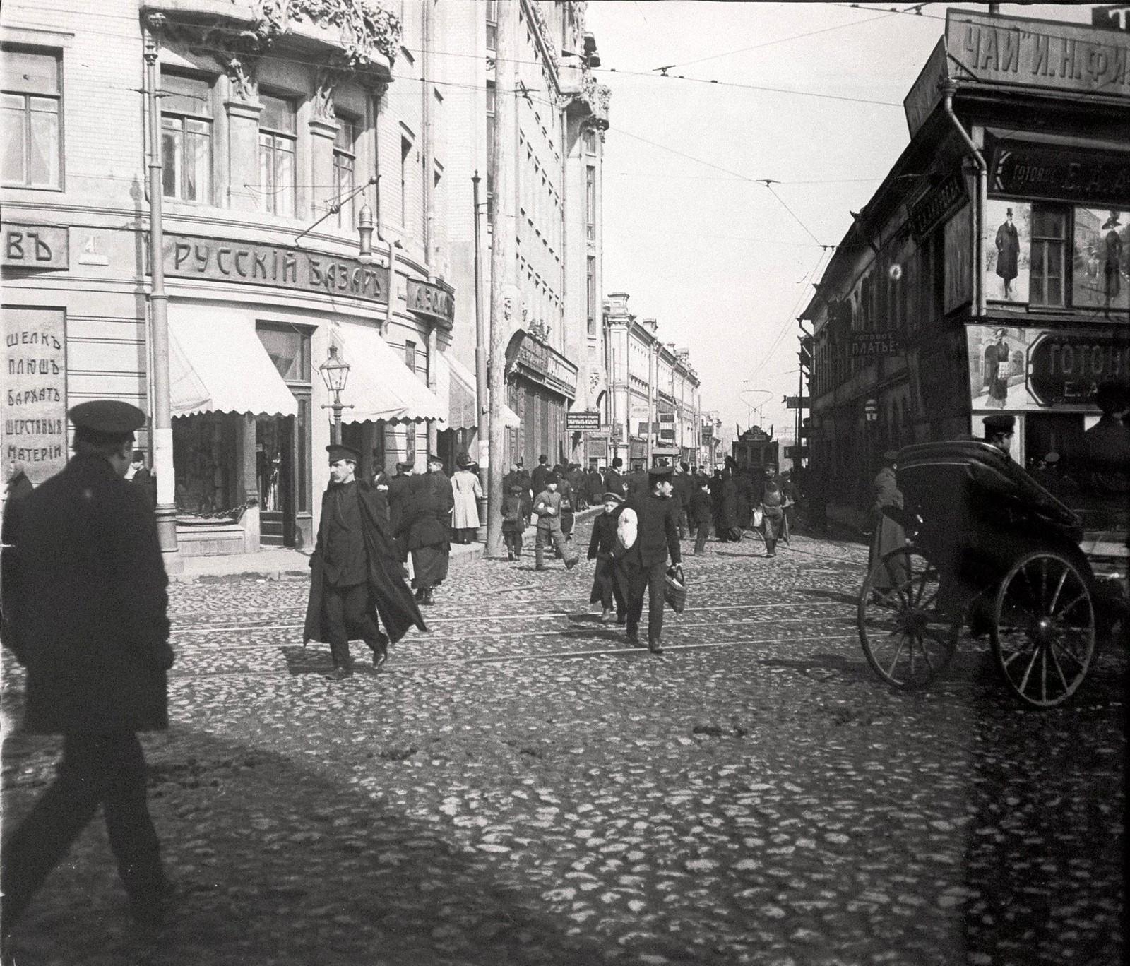 Проезд от Смоленской улицы к Смоленскому рынку