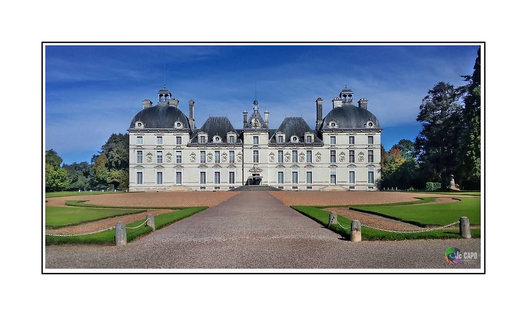 """CHEVERNY : """"Pour le week-end, nous avons voulu faire les Châteaux de la Loire. Malheureusement, ils étaient déjà faits."""