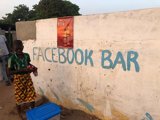 Facebook bar en Benín