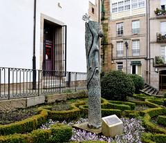 3 Monumento diante da casa natal