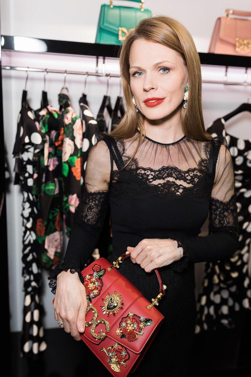 Оля Фреймут  в платье Dolce&Gabbana