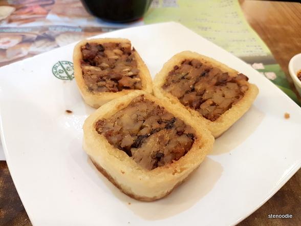 Tim Ho Wan taro cakes