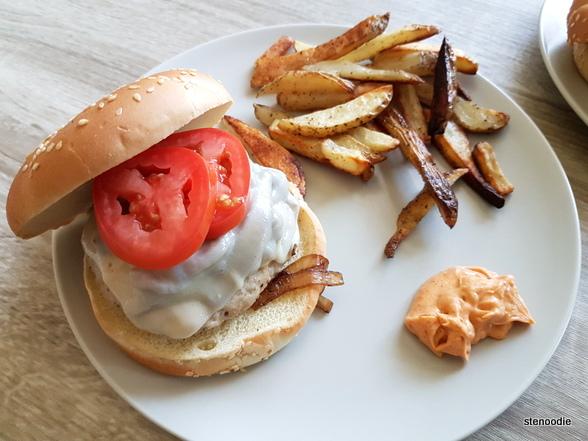Chefs Plate turkey burger