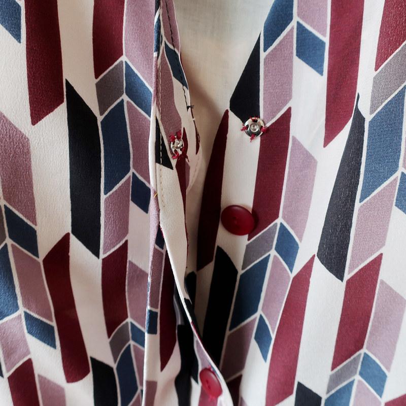 Silk blouse snap