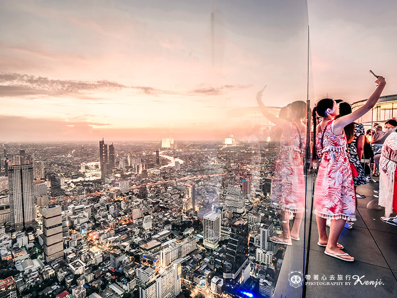 mahanakhon-skyWalk-37