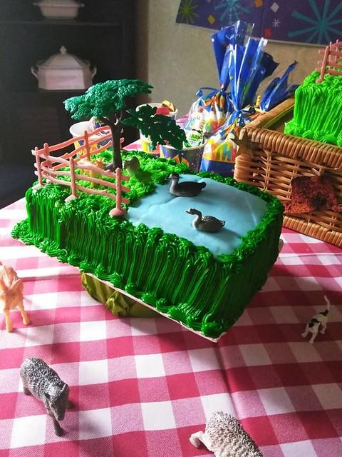 Cake by Sari's Cake and More