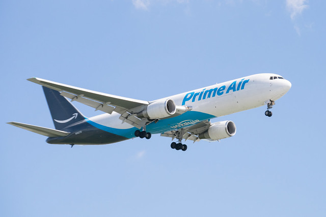Amazon Prime Air Boeing 767-306(ER)(BCF) Landing at IAH, Hoouston 1904251611