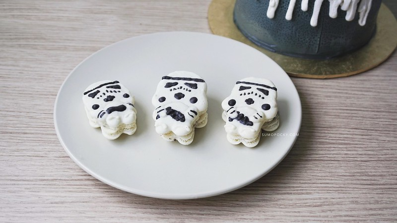 Storm Trooper Macarons