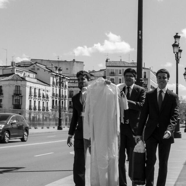 MADRID Street. Hacia la catedral