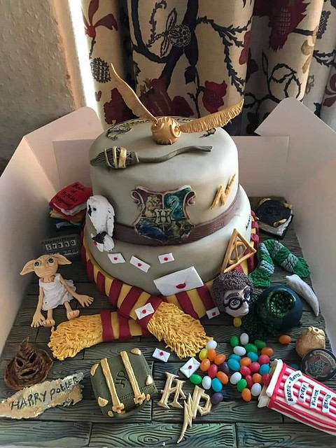 Harry Potter Theme Cake by Leo Lucas Leanne