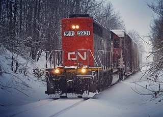 CN L507 returning from switching duties on the West Bend Sub during a February snowstorm 2019. The next day I caught this same consist at 91st crossing heading to North Milwaukee yard.