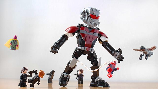 Lego Giant-Man MOC