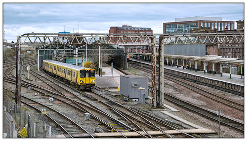 a56 hooleroad chester cityofchester 2019 merseyrail class507 2h40 chestergeneral station northwest cheshire train victoriana