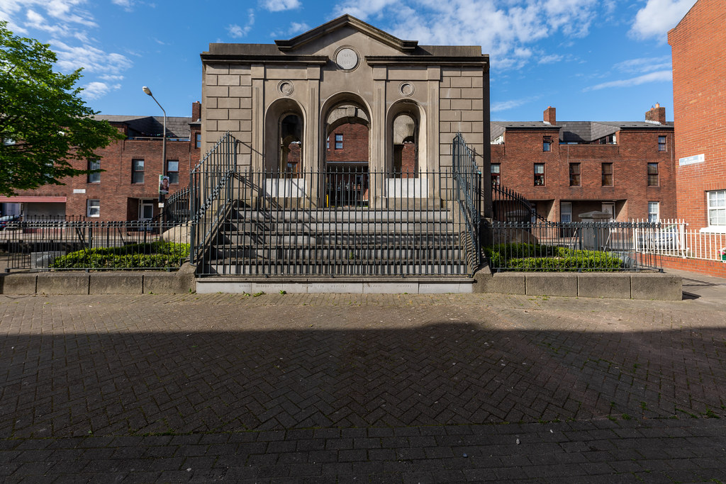 THE COOMBE MEMORIAL - THE LIBERTIES OF DUBLIN 002