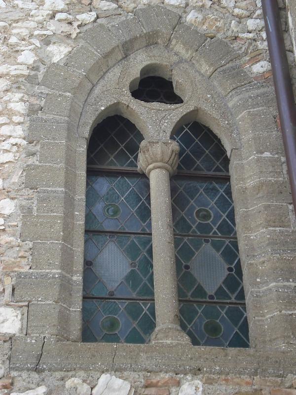 010-окно на восточной стороне
