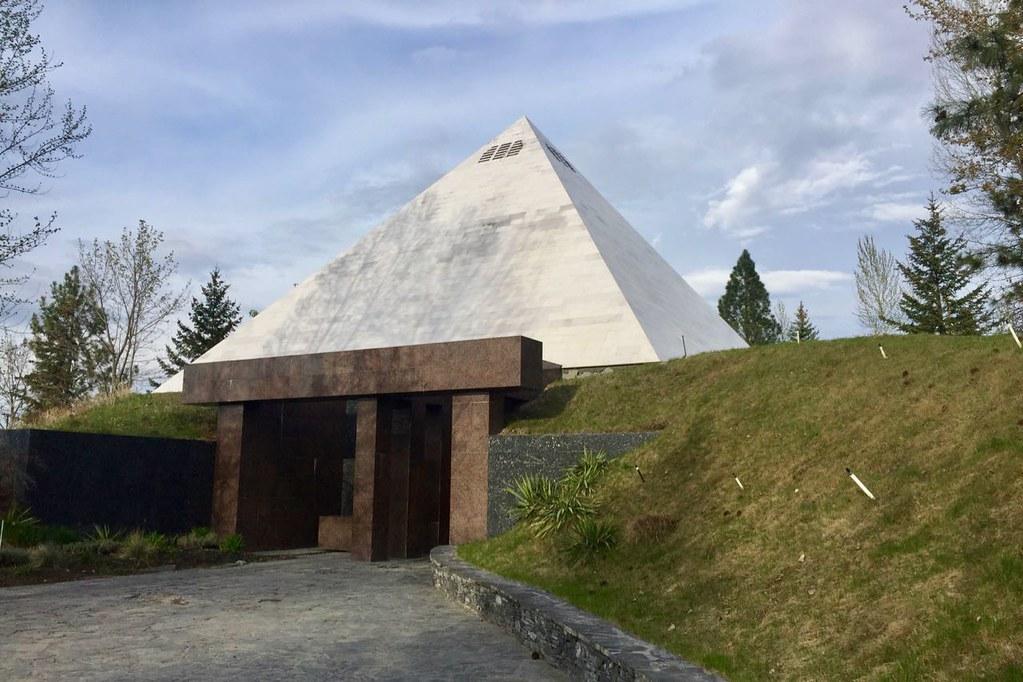 pyramidwinery16