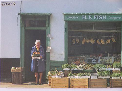 Mrs. Lillian Fish, 42 Market Street (7996)
