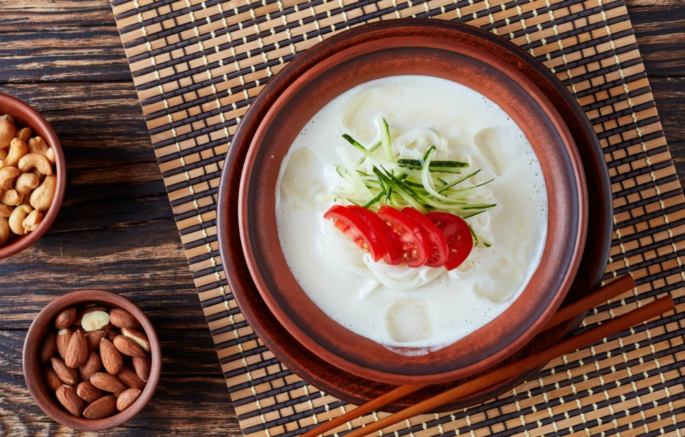 What to Eat in Korea - Kongguksu