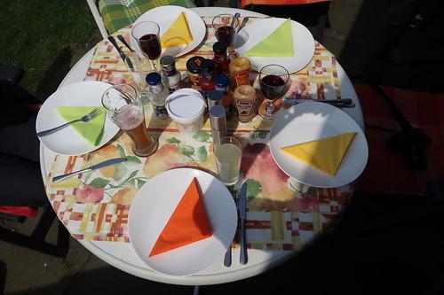 Tischbild mit Soßen