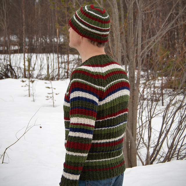 Reclaimed yarn for a jumper and a matching hat