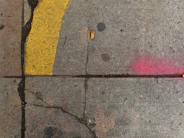 A17633 / underfoot on wooster street