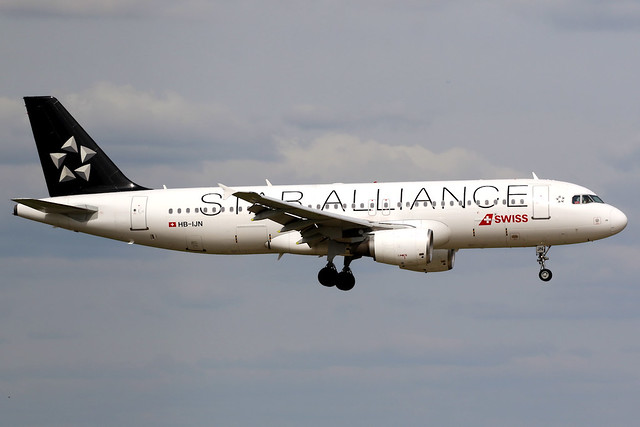 Swiss | Airbus A320-200 | HB-IJN | Star Alliance livery | London Heathrow